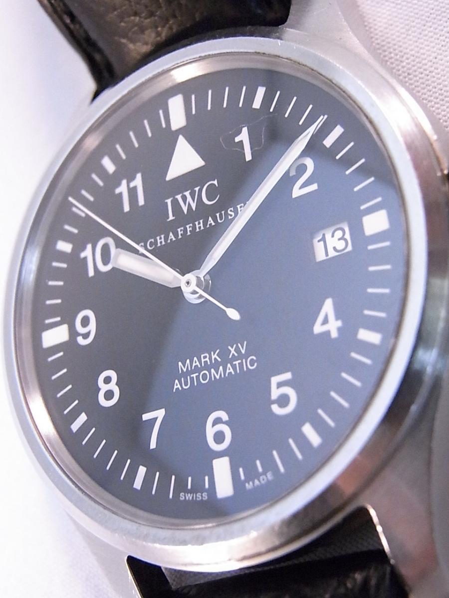 3針制のシンプルかつスタイリッシュな針が美しい腕時計です。