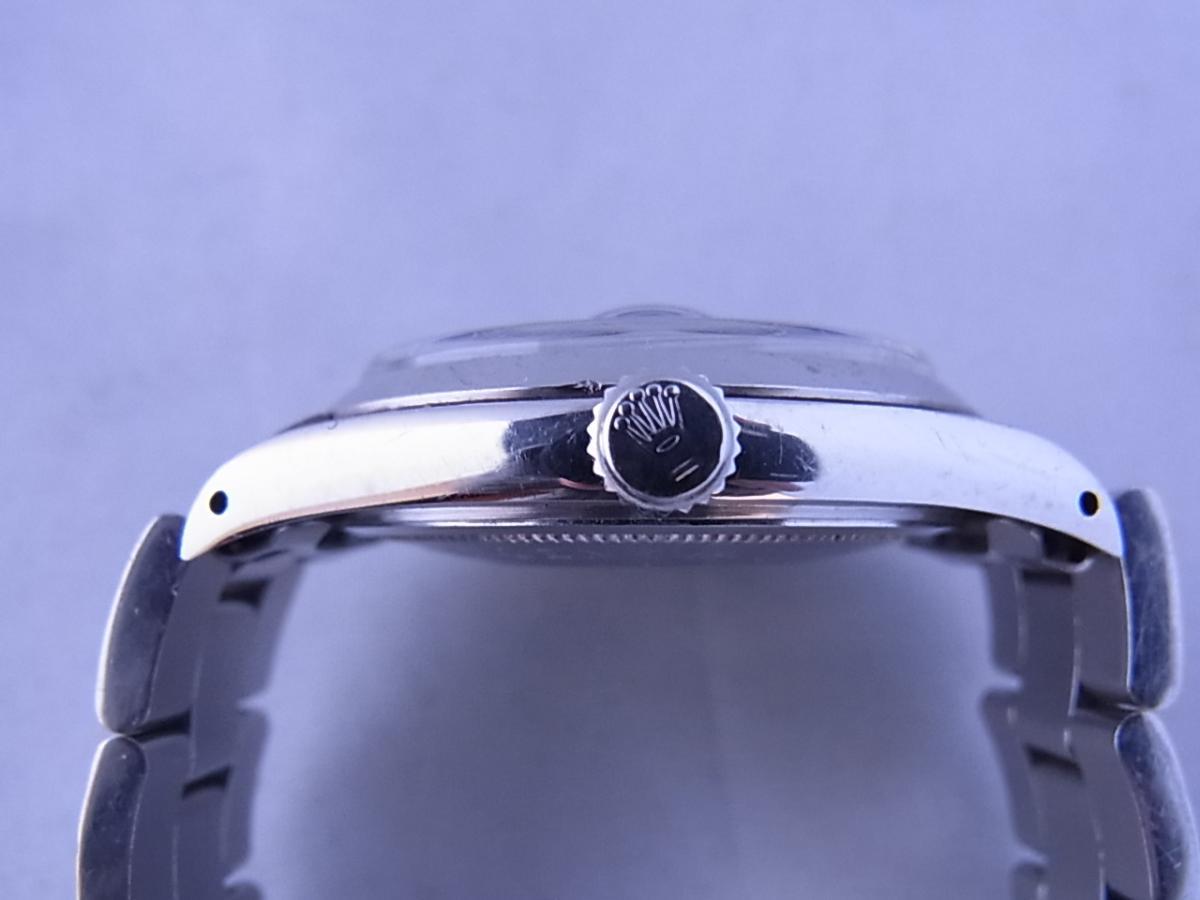 チュードルデカバラリダン 時計本体のみ 1960年代 34mmラウンド型のシルバーケースにブラックダイヤルの買い取り実績と3時リューズサイド画像