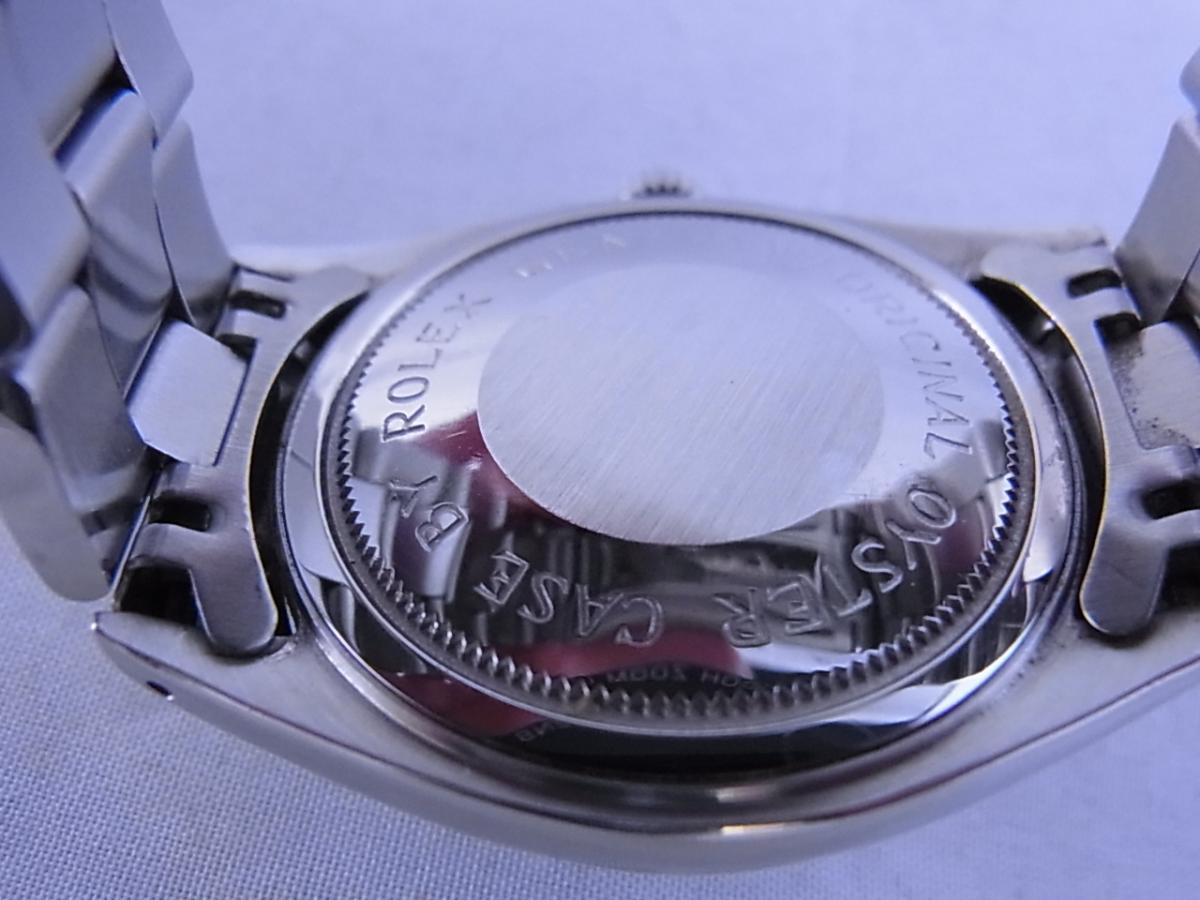 チュードルデカバラリダン 時計本体のみ 1960年代 34mmラウンド型のシルバーケースにブラックダイヤルの売却実績と裏蓋画像