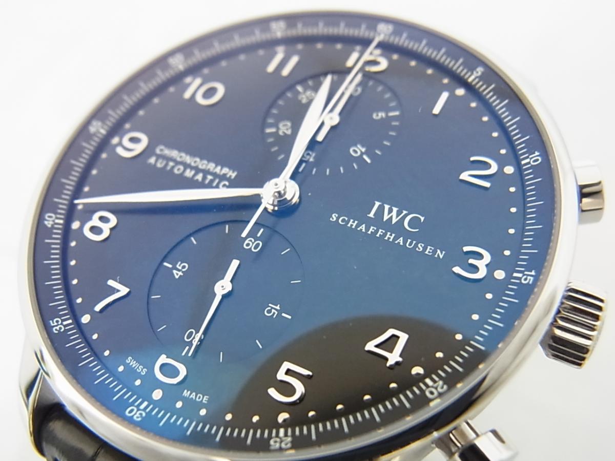 IWCポルトギーゼクロノグラフブラックダイヤルIW371447の買取り実績とフェイス斜め画像