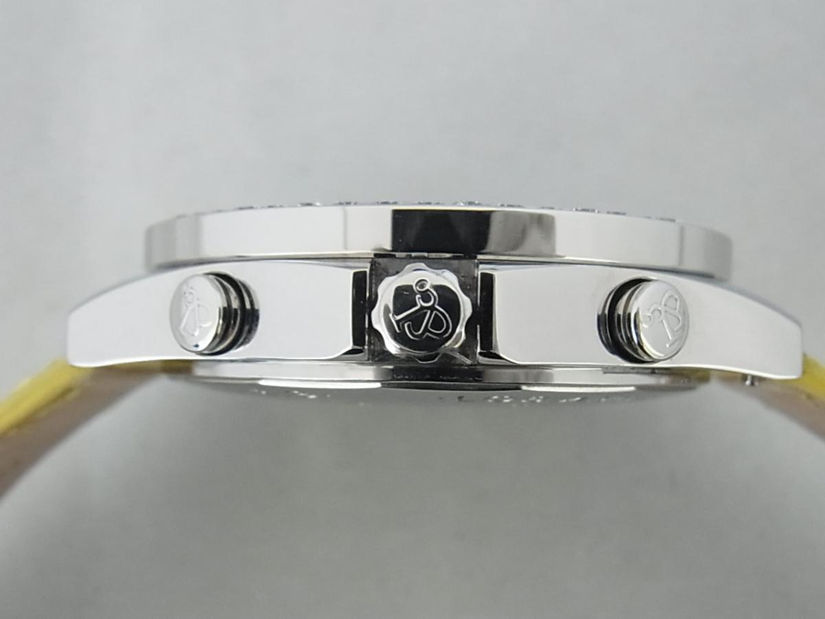 ジェイコブファイブタイムゾーンJC-58DAD ダイヤモンド巻ベゼルの買い取り実績と3時リューズサイド画像