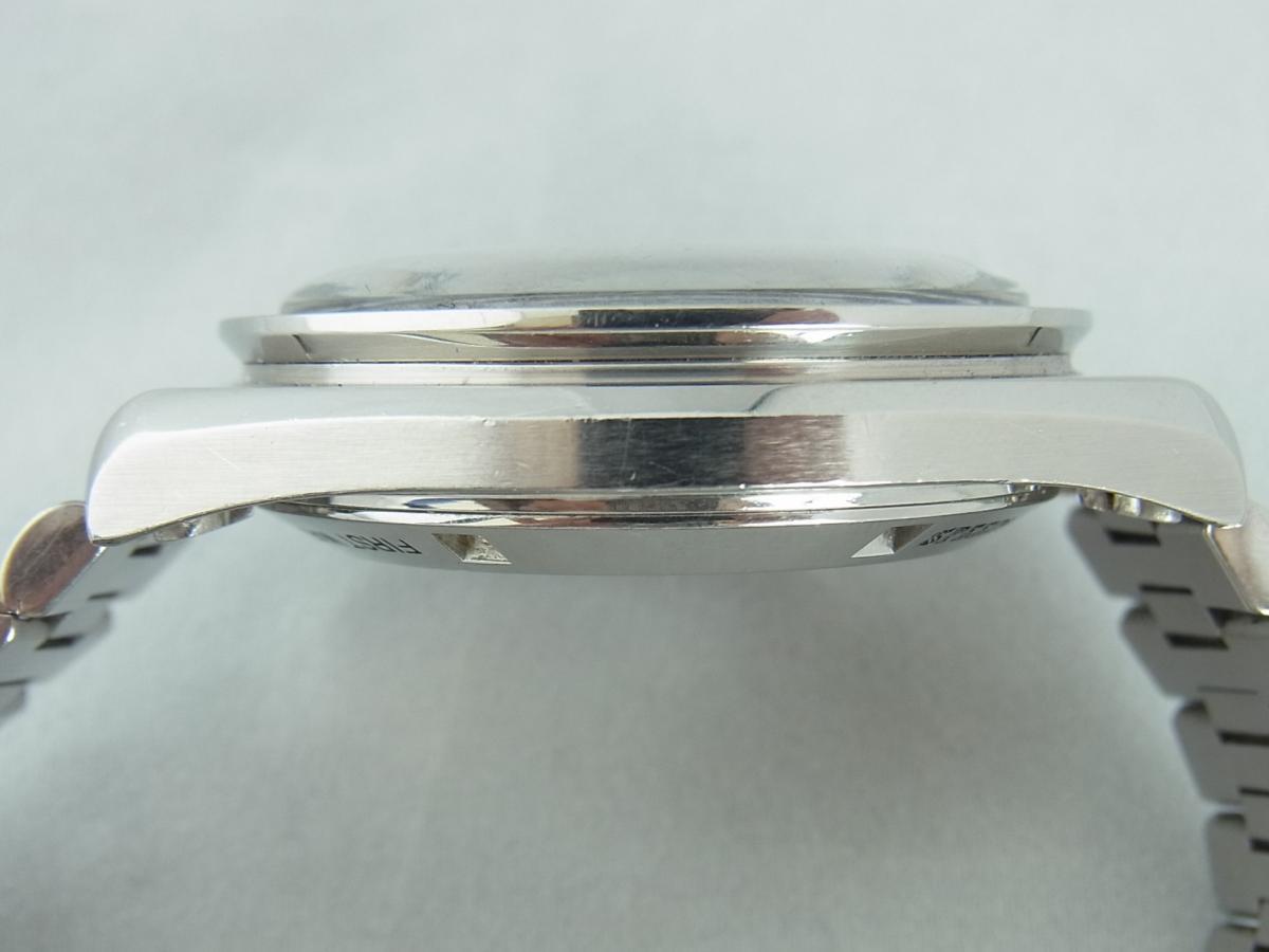 オメガスピードマスタープロフェッショナル3592.50 40mm 手巻き式腕時計、アポロ11号 10周年記念モデル 高額売却実績 9時ケースサイド画像 時計を売るならピアゾ(PIAZO)