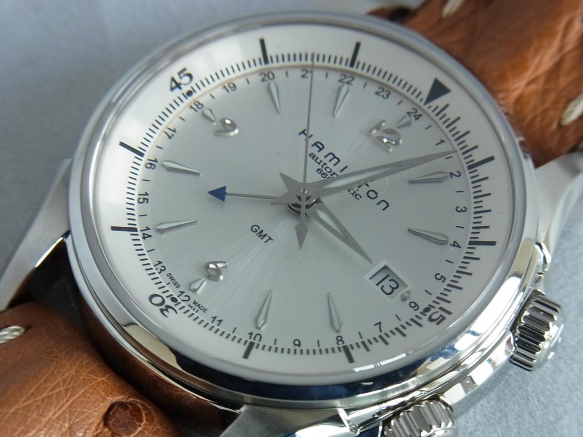 ハミルトンジャズマスタートラベラー2 H32625555 GMT/アラーム機能搭載モデル 買取り実績 フェイス斜め画像 時計を売るならピアゾ(PIAZO)