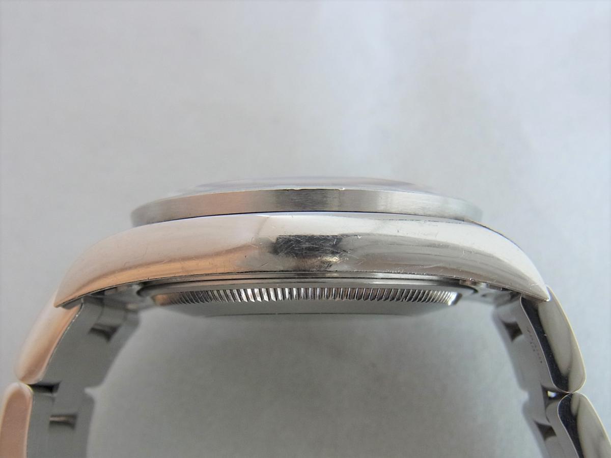 ロレックスエアキング14010M黒文字盤バーインデックス F番シリアル 高額売却実績 9時ケースサイド画像 時計を売るならピアゾ(PIAZO)