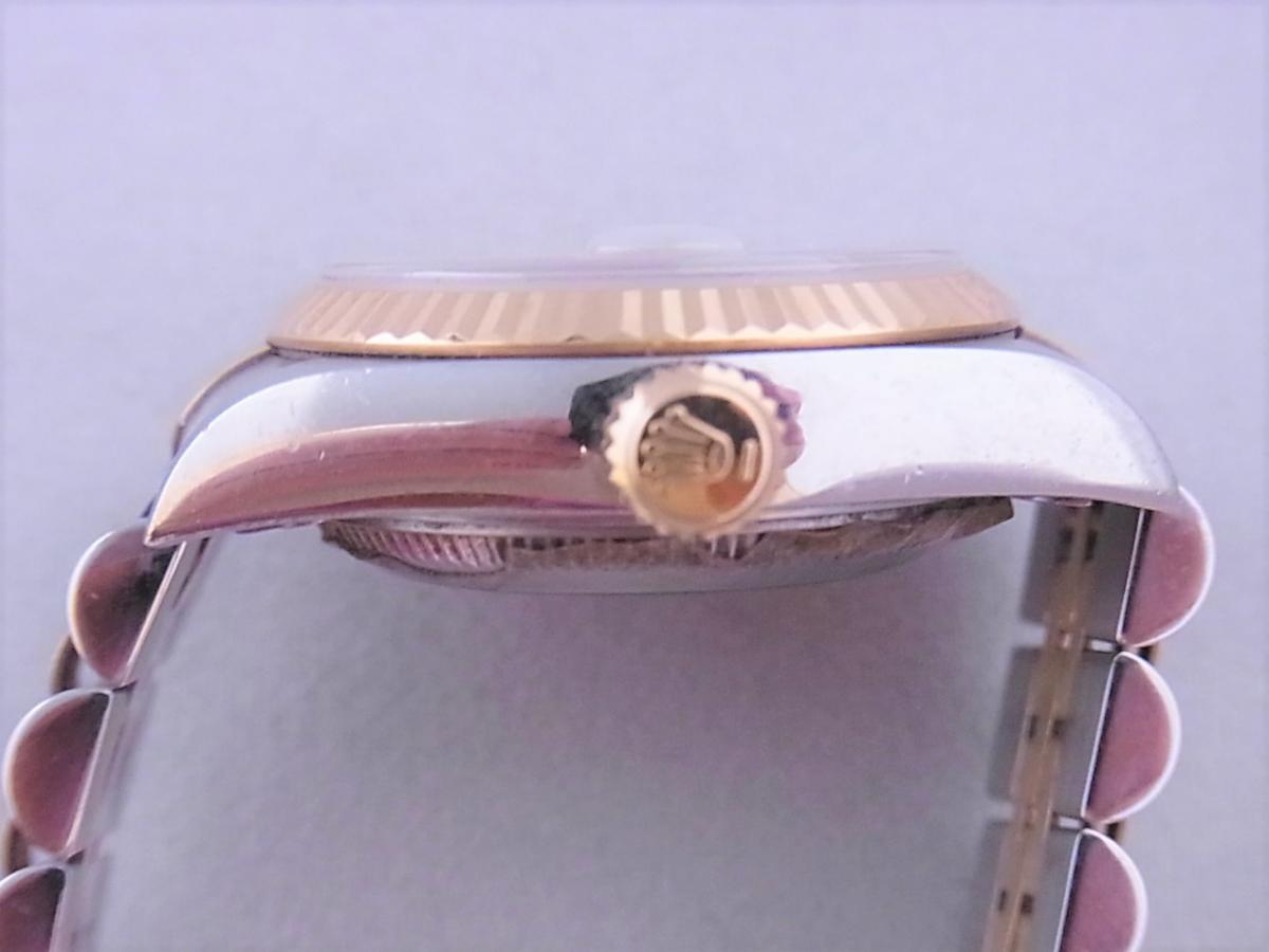 ロレックスデイトジャスト ref.79173NGS パールブルーサファイア文字盤 ロレックスシリアルY番(2002年製造) 買い取り実績 3時リューズサイド画像 時計を売るならピアゾ(PIAZO)