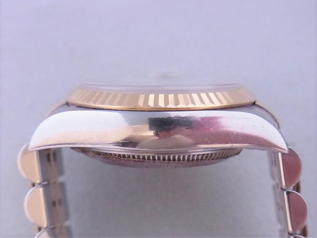 ロレックスデイトジャスト ref.79173NGS パールブルーサファイア文字盤 ロレックスシリアルY番(2002年製造) 高額売却実績 9時ケースサイド画像 時計を売るならピアゾ(PIAZO)