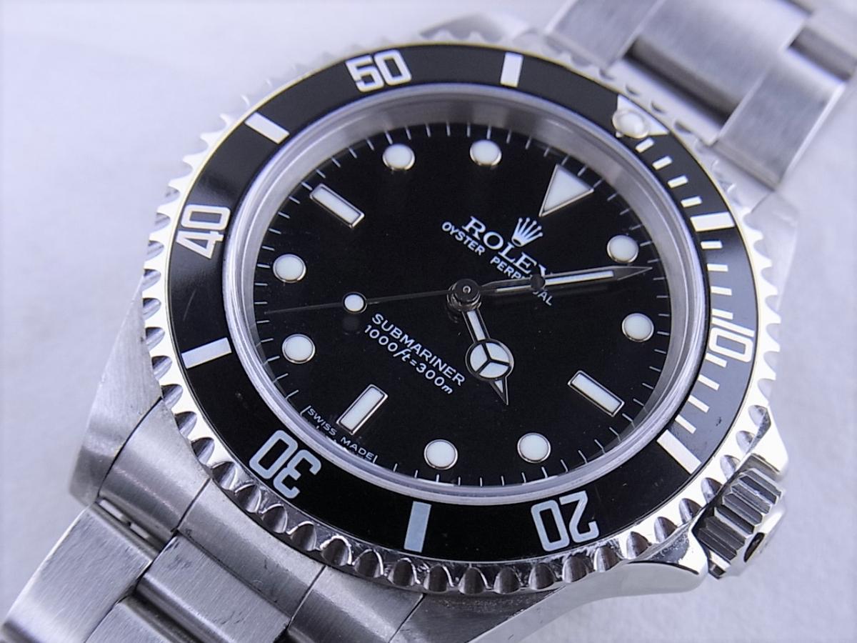 ロレックスサブマリーナノンデイトモデル 14060M 自動巻きcal.3130 メンズ腕時計 買取り実績 フェイス斜め画像 時計を売るならピアゾ(PIAZO)