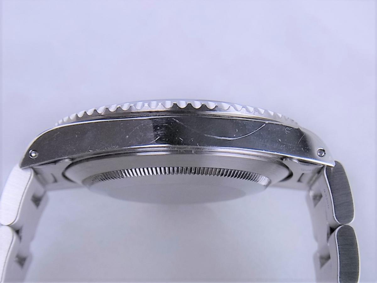 ロレックスサブマリーナノンデイトモデル 14060M 自動巻きcal.3130 メンズ腕時計 高額売却実績 9時ケースサイド画像 時計を売るならピアゾ(PIAZO)
