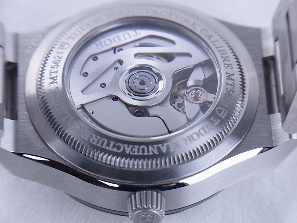 チュードル ノースフラッグ 91210N I番(2003年以降モデル) メンズ腕時計 売却実績 裏蓋シースルーバック画像 時計を売るならピアゾ(PIAZO)