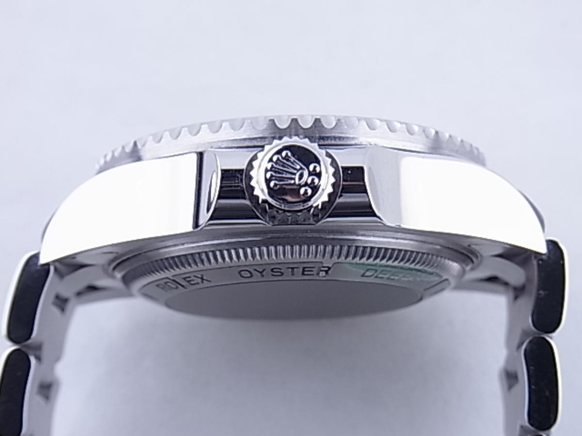 ロレックス シードゥエラーDブルー116660 3900m防水機能 メンズ腕時計 買い取り実績 3時リューズサイド画像 時計を売るならピアゾ(PIAZO)