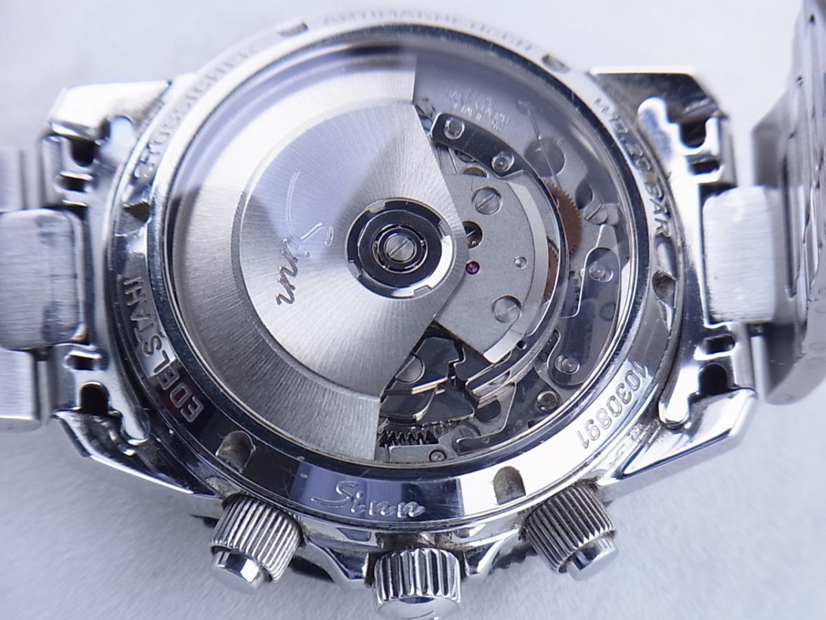 ジン 103.A.SA.AUTO オートマチッククロノグラフ デイデイト シースルーバック メンズ腕時計 売却実績 裏蓋シースルーバック画像 時計を売るならピアゾ(PIAZO)