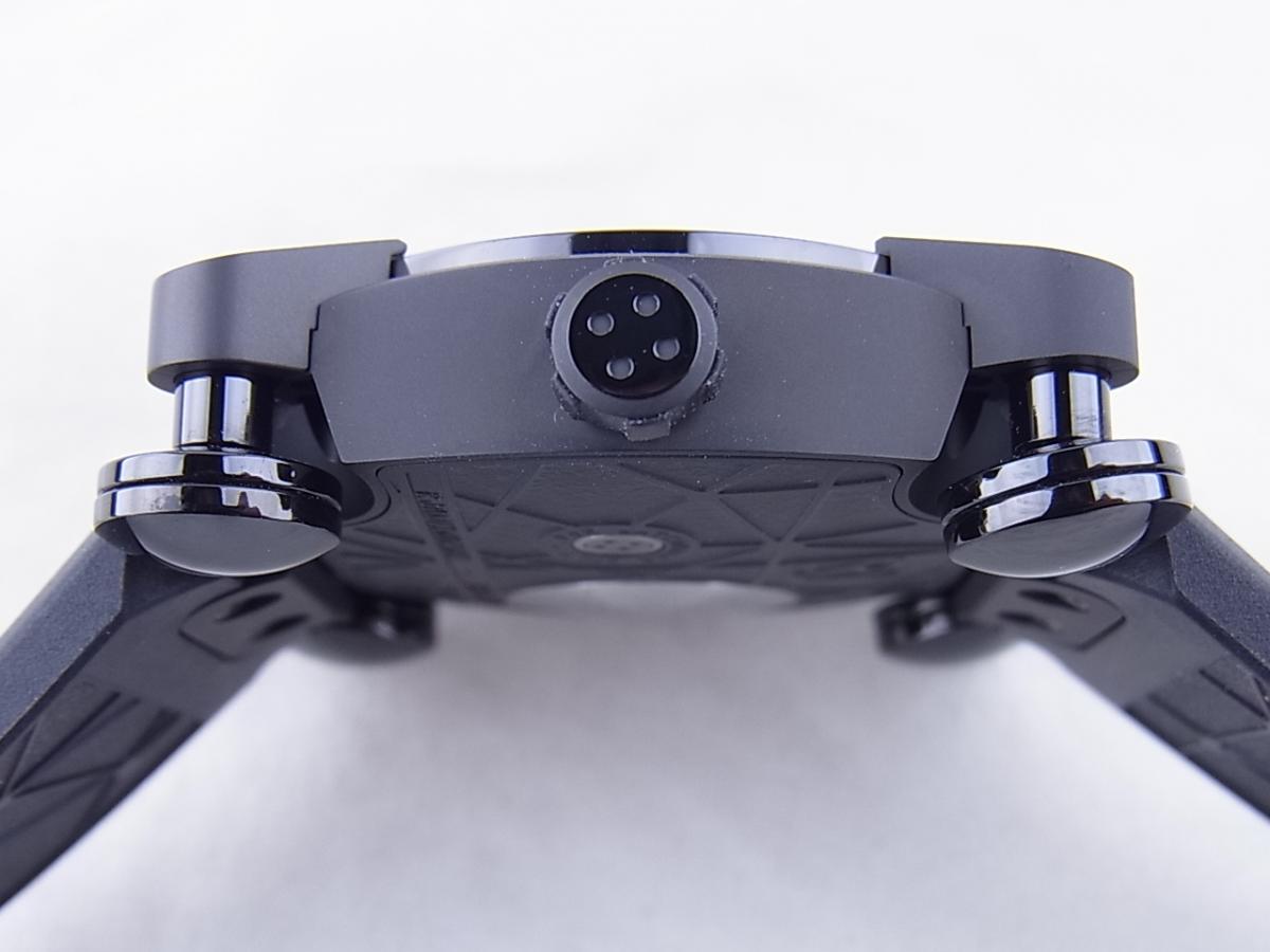 ロマンジェローム スペースインベーダーRJ.M.AU.IN.021.03 世界限定78本 買い取り実績 3時リューズサイド画像 時計を売るならピアゾ(PIAZO)