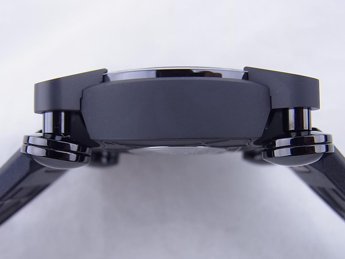 ロマンジェローム スペースインベーダーRJ.M.AU.IN.021.03 世界限定78本 高額売却実績 9時ケースサイド画像 時計を売るならピアゾ(PIAZO)