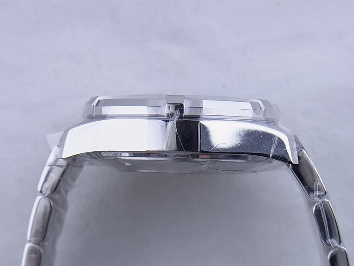 タグホイヤー アクアレーサーキャリバー16 CAY2110.BA0927 高額売却実績 9時ケースサイド画像 時計を売るならピアゾ(PIAZO)