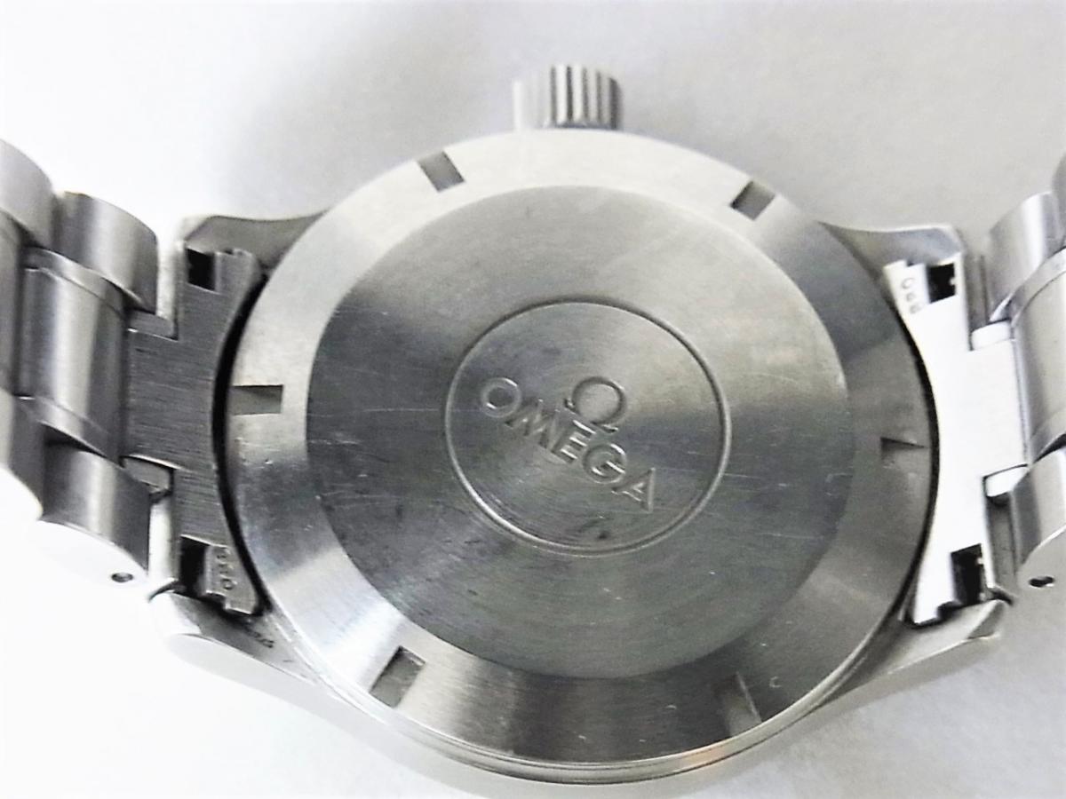 オメガ クラシックダイナミック5203.51 売却実績 裏蓋画像 時計を売るならピアゾ(PIAZO)