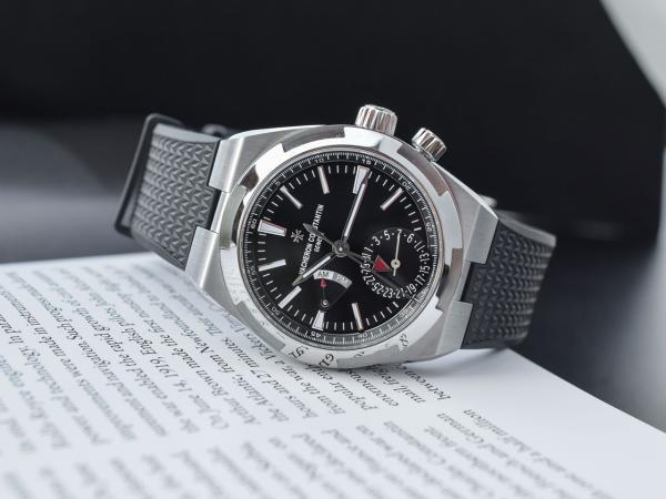 VACHERON-CONSTANTIN--Overseas-Dual-Time-7900V-110A-B546