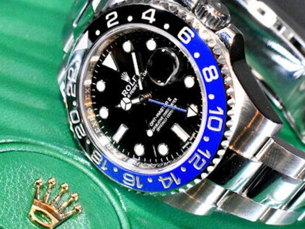 ROLEX-GMT-Master-II--Oyster-bracelet-126710BLNR