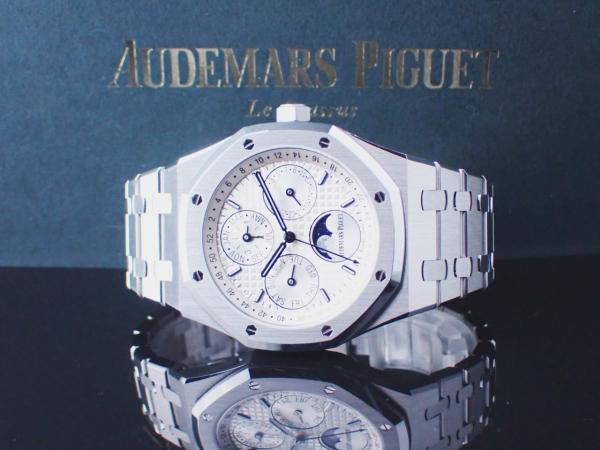 Audemars-Piguet-Royal-Oak-Perpetual-Calendar-26574ST-OO-1220ST-01