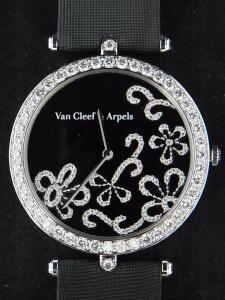 ヴァンクリーフアーペル レディアーペルARD65600が高価買取になる理由